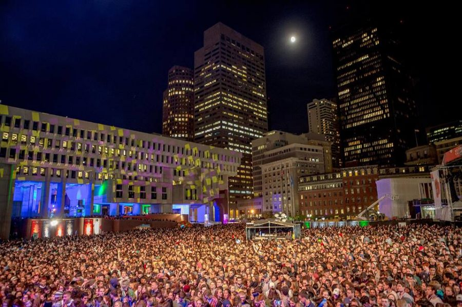 Night+time+picture+of+the+music+festival+%22Boston+Calling%22
