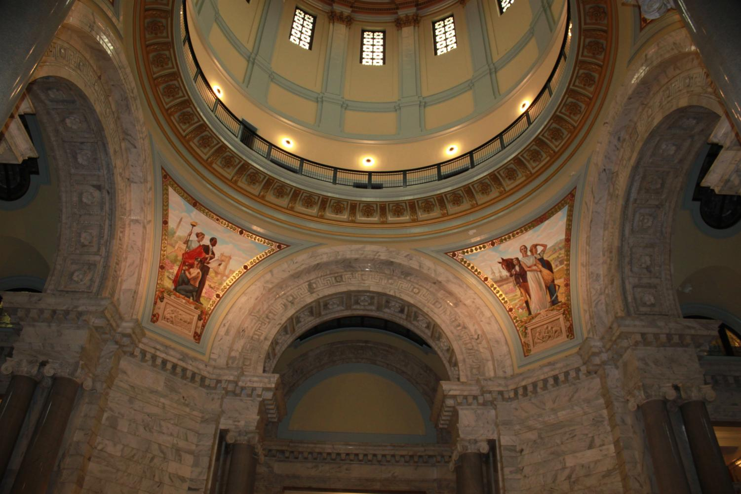 The+four+dome+pendentives+of+the+Capitol+are+each+unique+with+a+picture+related+to+a+moment+in+Kentucky%27s+history.
