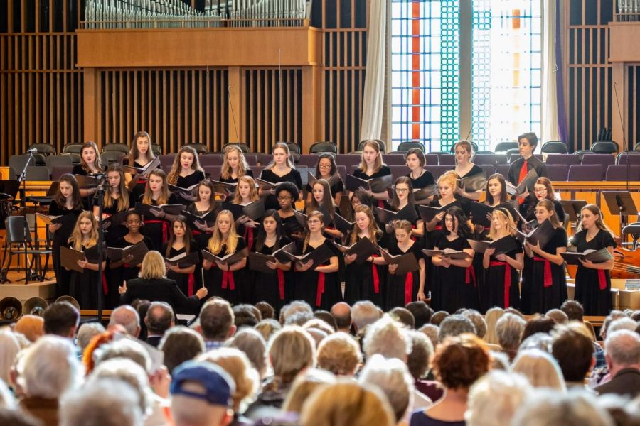 LSCC+Chamber+Choir+preforming+at+the+Bluegrass+Tapestry+concert.