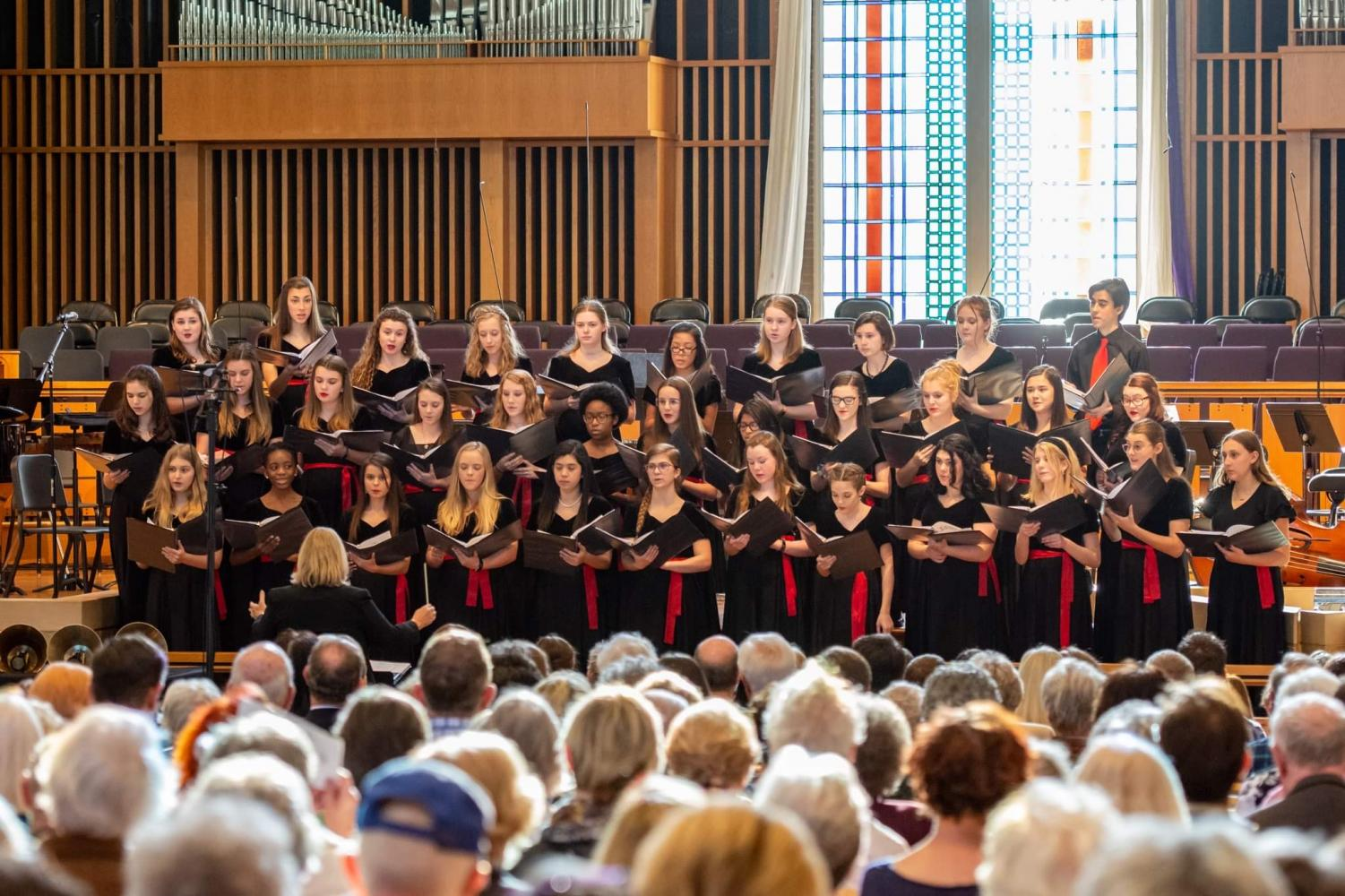 LSCC Chamber Choir preforming at the Bluegrass Tapestry concert.