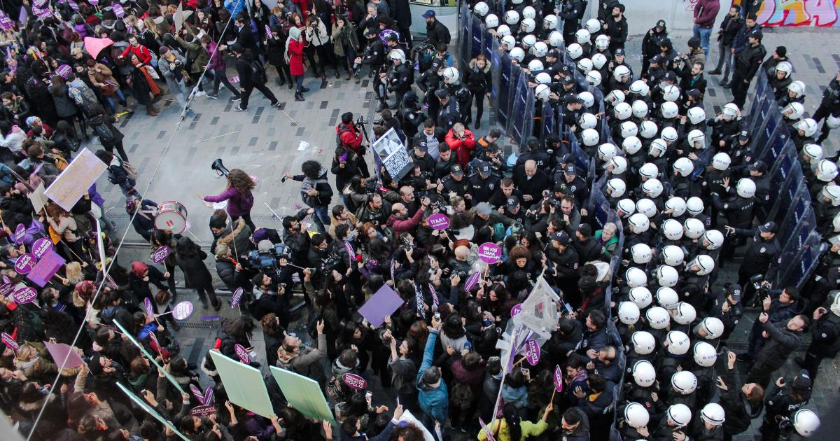 Public protest in Istanbul, Turkey blocked by police.