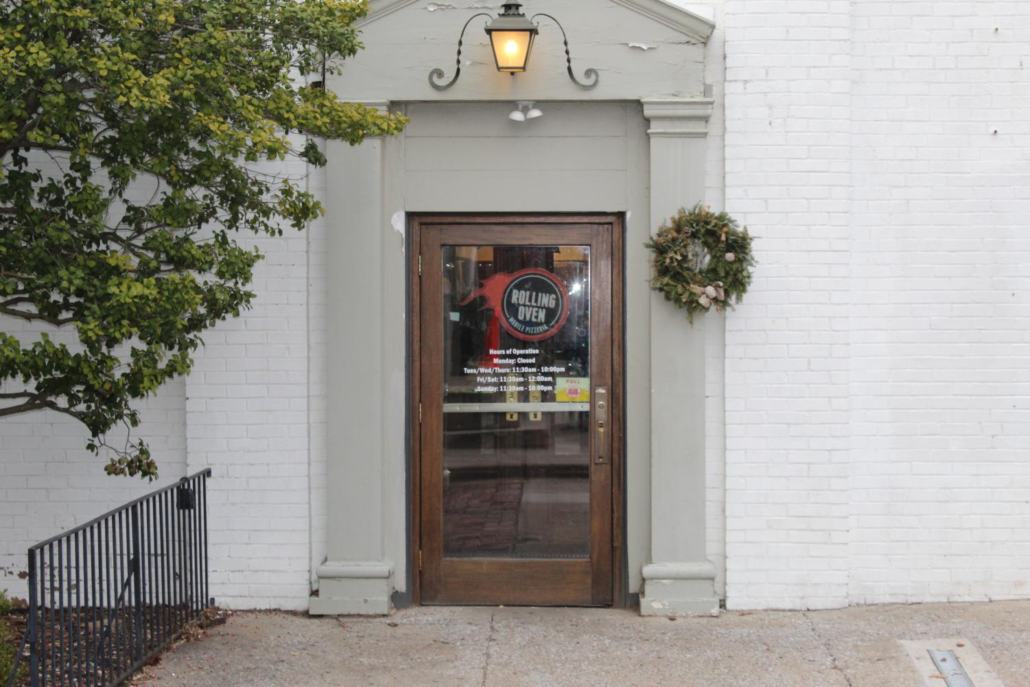 The entry of Rolling Oven located at 140 Court St. in Versailles.