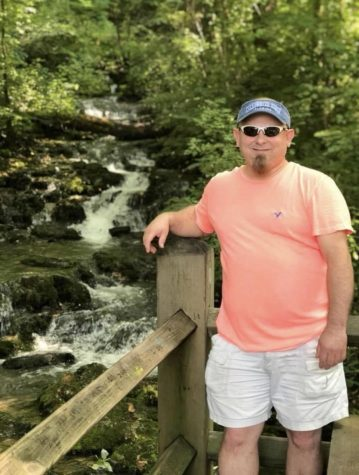 Michael Agee vacations in Monticello, Kentucky.